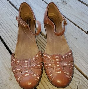 Clark's shoes.  Brown.  Size 8.5